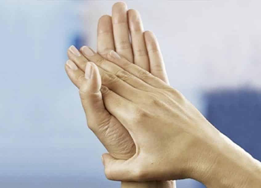 Die richtige Desinfektion der Hände für den Verbandswechsel bei Epidermolysis bullosa